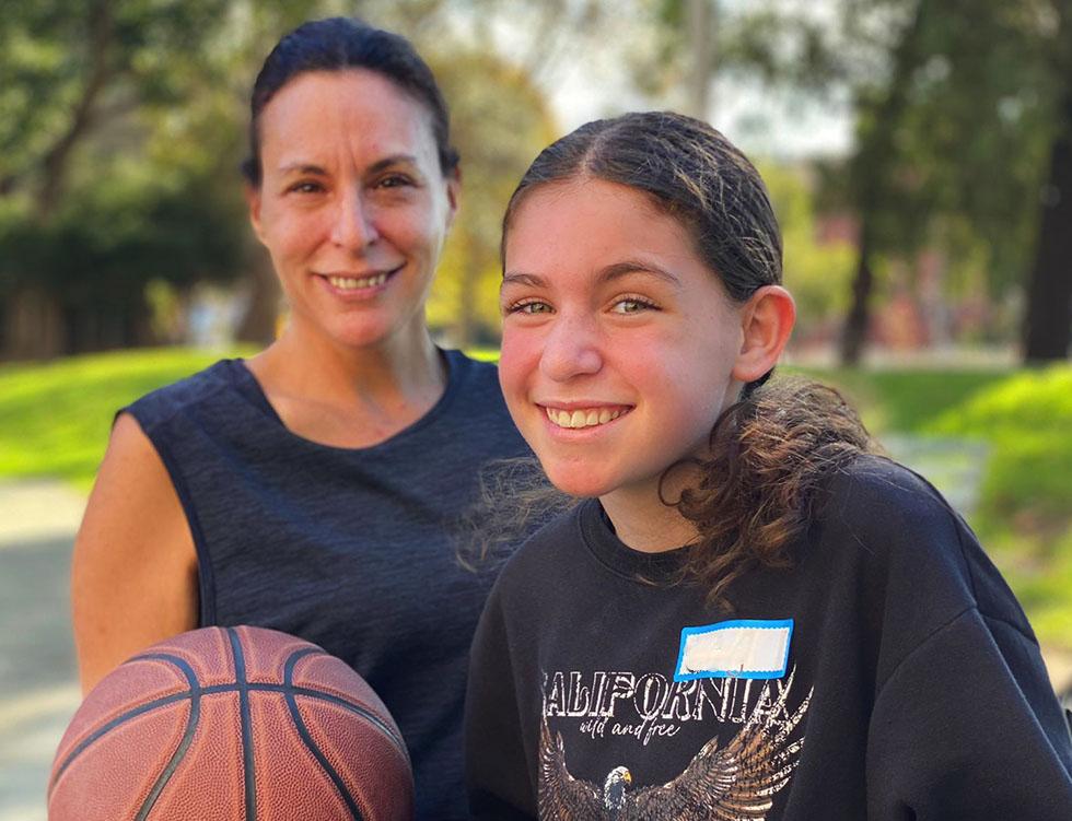 mum daughter basketball